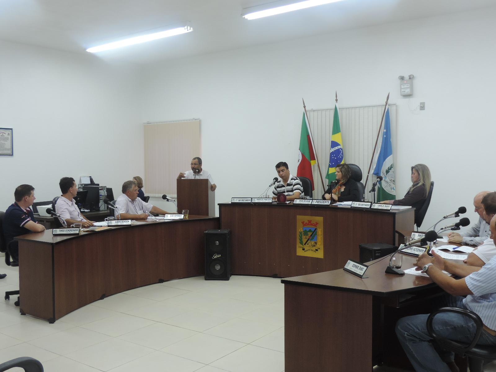 MORADORES DE LINHA CONTENDA PARTICIPAM  DA SESSÃO DE 23 DE NOVEMBRO DE 2015