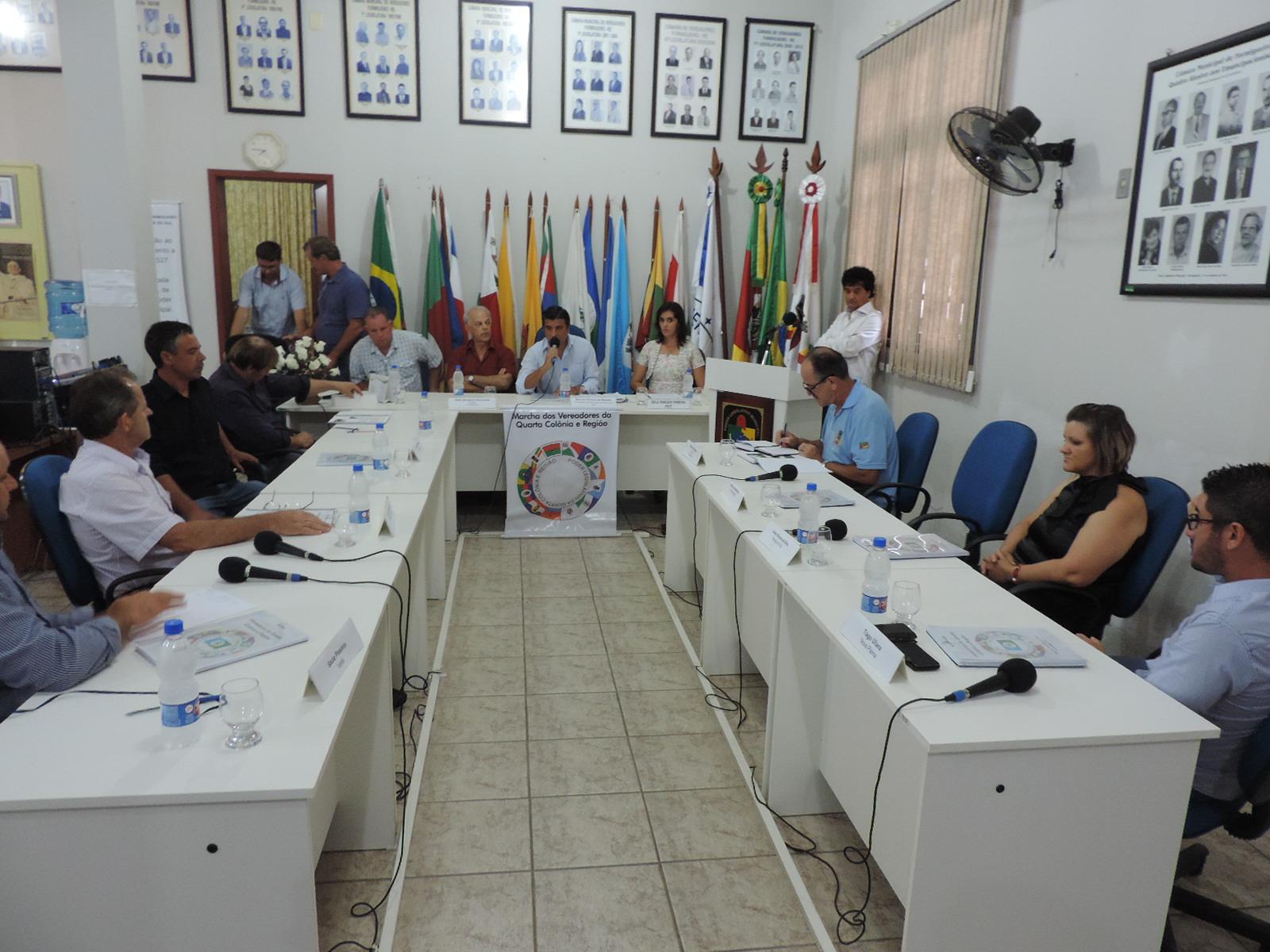 Câmara de Paraíso do Sul participa da Posse da nova Presidência do Poder Legislativo da Quarta Côlonia e Região.